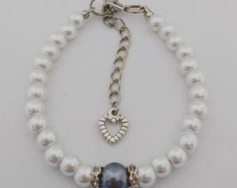 Pearl bracelet with glitter stone