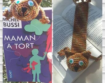 Cat Brown crocheted bookmark