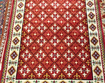 Amazing carpet rug 100% wool geometric pattern rug red beige and yellow color warm vintage rug old rug retro suitable for home&restaurant.