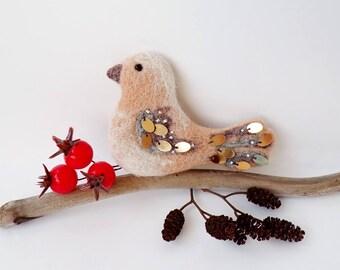 Winter Bird Needle Felted Brooch, Bird Brooch, Woolfelt Brooch, Felt Brooch Bird, Handmade Bird Brooch, Bird Pin,
