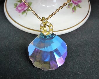 Gold plated Crystal pendant necklace