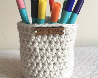 Small Cream Crochet Basket // Desk Organiser // Storage Solution // Home Accessory