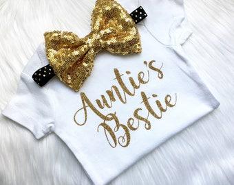 Auntie's Bestie bodysuit, newborn, baby girls, auntie, aunt, bestie, fall, glitter, tia,