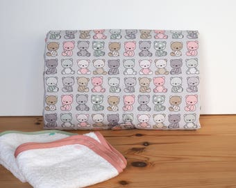 Changing mat Nomad cotton Teddy bear in pastel colors and two removable towels