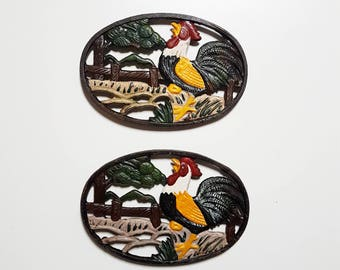 2 x Vintage Rooster / Farm Cast Iron Trivet - Painted Hot Plate - Pot Holder - Retro Kitchen - Country House Style
