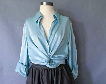 Vintage 100% silk minimalist button down blouse/shirt/top women's size M/L/XL