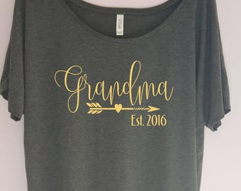 Grandma Established Shirt, Grandma Est TShirt, Grandma Gift,Pregnancy Announcement Shirt, Grandma to be shirt, Grandma Announcement Gift