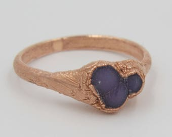 Grape Agate ring with electroformed copper band // Raw stone ring // Purple ring // Bohemian ring // Everyday ring // Copper