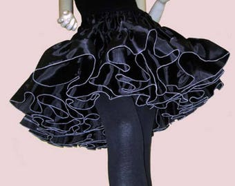Petticoat black - the Rauschige - offer!