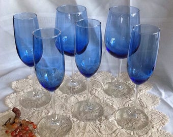 Beautiful Set Of 6 Blue Wine Glasses with Clear Stem