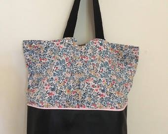 large bag in black imitation leather and liberty wiltshire lilac
