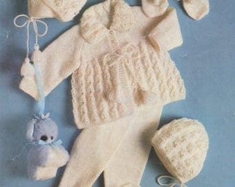 Babys Pram Set PDF Knitting Pattern : Baby Boys or Girls 16, 18 and 20 inch chest . Babies Outdoor Set . 4 Ply . Instant Download