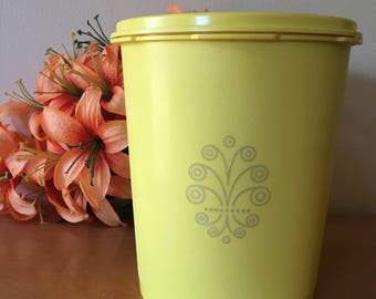 Tupperware Daffodil Yellow Servalier Canister - 809-6