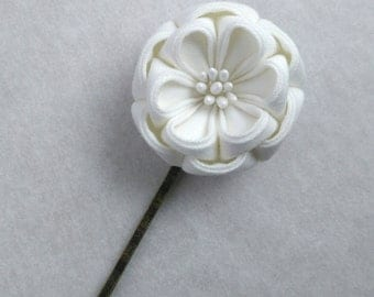 White Floral Bridal Camellia Hair Pin/ Tsumami Kanzashi / Geisha Inspired / For Wedding