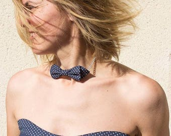 Collar bow tie Blue Navy with white polka dots.