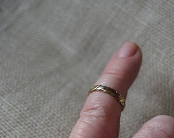 Tiny 9-ct Twisted Tri-colour Gold Ring