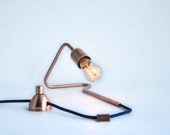 Cu 72 Unique Handmade Copper Dimmable Table Lamp Modern Minimal Industrial Geometric Vintage Gift Desk Lamp with Dim Edison Bulb