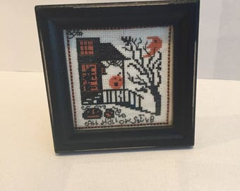 Haunted Porch, A vintage Halloween Cross stitch