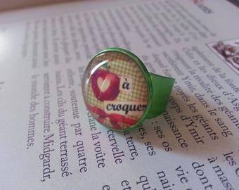 Retro vintage Pin ring ' up