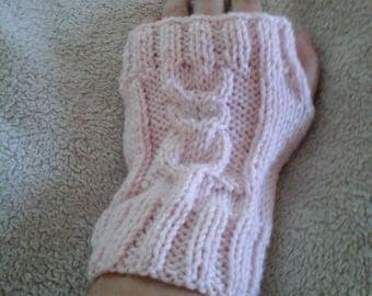 Pale pink OWL mittens in wool