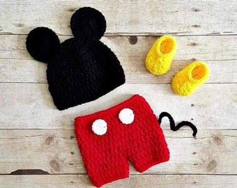 Crochet Newborn baby boy Mickey Mouse Hat Shorts and booties, PHOTO PROP, Mickey hat and shorts set-Made to order