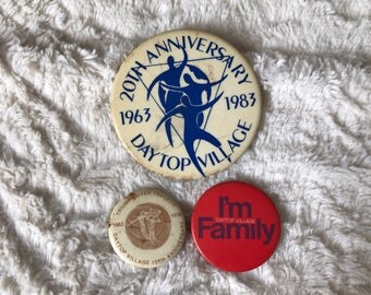 3x Vintage 1982 NYC Daytop Village 20th Anniversary Pinback Button Collection