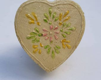 Cream Floral Wooden Heart Shaped Door / Drawer Knob ~  Upcycling Project