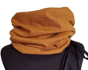 Snood in Japanese mustard yellow and black