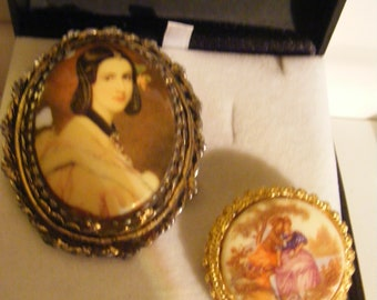 VINTAGE BROOCHES X 2