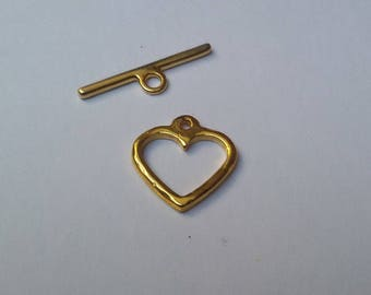 20 mm gold heart toggle clasp