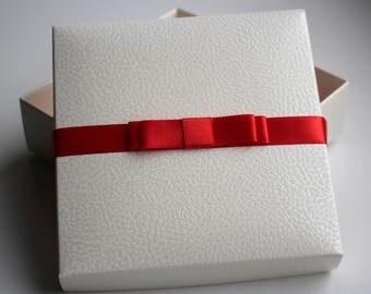 Unique Gift Box, White Gift Box, Luxury gift box, Wedding Gift Box, Christening gift box, Christmas Gift Box, Birthday Box, Satin Ribbon