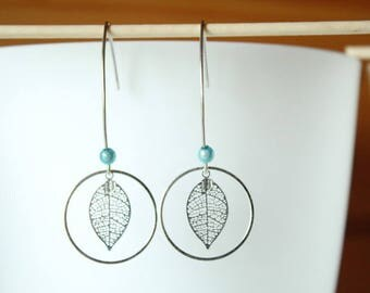 Elegant filigree leaf and Silver earrings