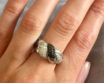 Unusual black and white crystal diamond silver ring
