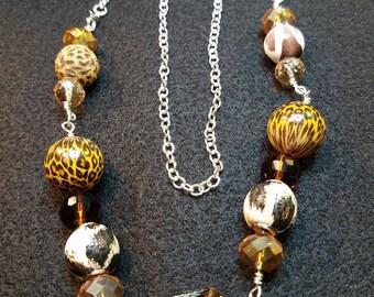 Mixed set of animal beads