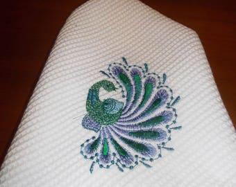 ROUND PEACOCK TOWEL