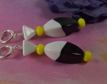 MOD SQUAD~~Funky Vintage Black & White Lucite and Yellow German Glass New Lever Back Earrings~~ Two Fell Swoop