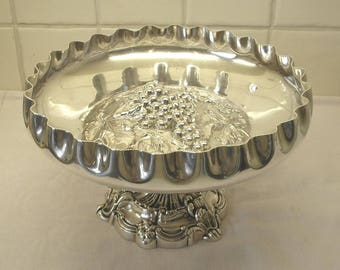 Victorian silver plated fruit bowl on Baroque pedestal with repoussé grapes and fluted edge, by Walker & Hall, Sheffield dated 1896-7.