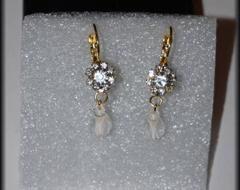 Rhinestone and Teardrop gold earrings