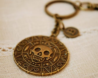 Pirates of caribbean keyring,  FREE SHIPPING, Personalized keychain, Circle skull  keyring, Jack Sparrow  key chain, pirate bag accessories