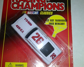 Nascar Classics 1969 Mercury Cyclone #26 Lee Roy Yarbrough 1/64th Diecast new on card