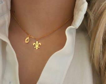 Delicate Petite Fleur de lis necklace,Flower necklaces,Fleur de lis necklaces,Lily necklace,Tiny Necklace ,Bridesmaid Gift, valued gift