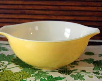 Pyrex 443 Yellow Cinderella Mixing Bowl, 2-1/2 Qt Mixing Bow, Pyrex 443 Yellow Mixing Bowl, Yellow Mixing Bowl