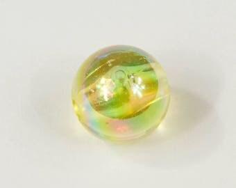 20 beads 8mm yellow iridescent