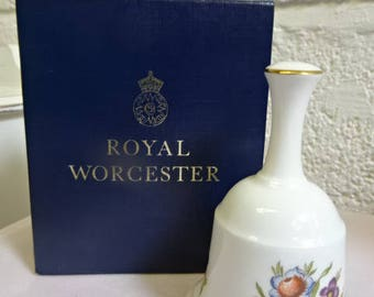 Royal Worcester Bell/Bournemouth/Fine Bone China/Collectable/Vintage/1970s