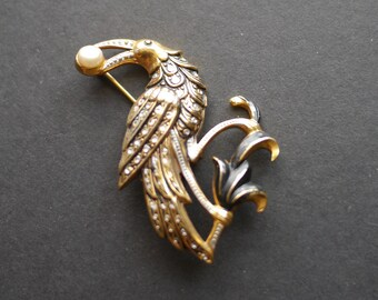 Damascene Toledo bird brooch with pearl, black and gold