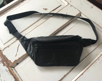 Vintage 1990's Leather Fanny Pack