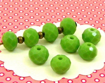 25 8 * 6 mm DO54 pistachio green faceted glass beads
