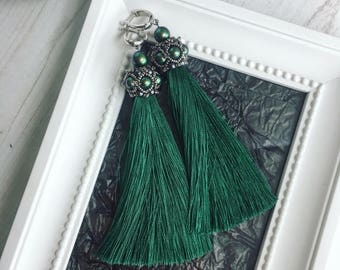 Emerald green Tassel Earrings, embroidered with Swarovski pearls!