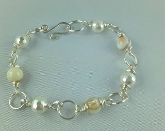 Bracelet silver and mother of Pearl shell beads
