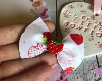 Lightly Scented* Strawberry Bow